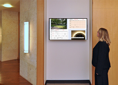 Info Display an Schulen / Öffentlichen Einrichtungen